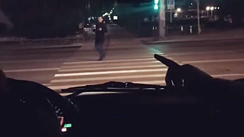 """Нарушитель с """"блатными номерами"""" катается по Краснодару, как ему захочется"""