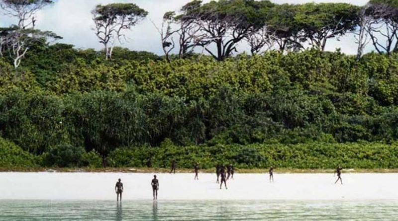 Это племя, находящееся в изоляции приблизительно 55 тысяч лет, может на законных основания убить любого, кто ступит на их остров