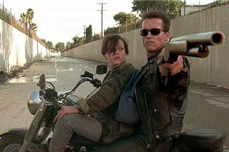 """Harley-Davidson из фильма """"Терминатор 2: Судный день"""" уйдет с молотка"""