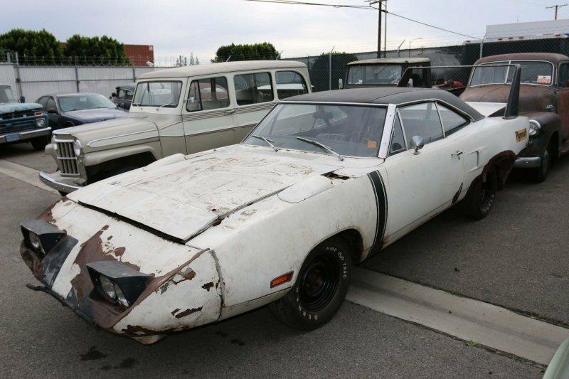 Plymouth Superbird 1970: интересный автомобиль