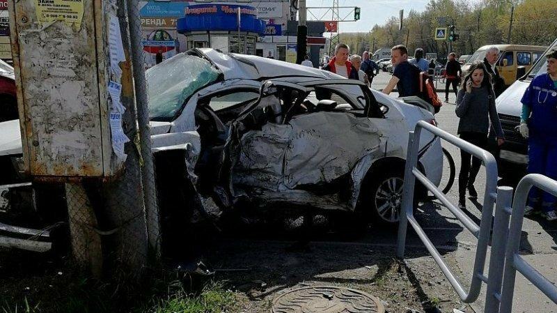 Авария дня. Молодой пьяный водитель на BMW устроил смертельное ДТП в Челябинске