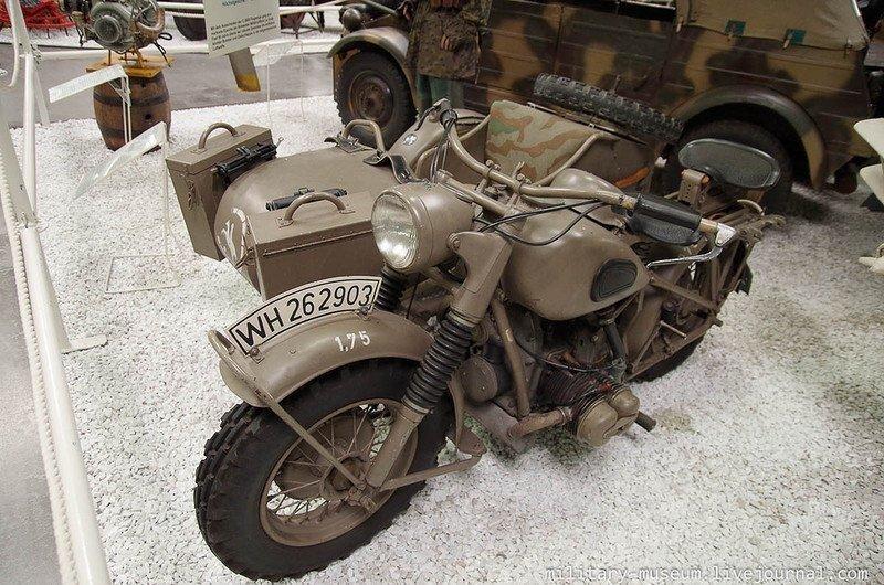 Музей техники в Зинсхайме: военная техника в ангарах