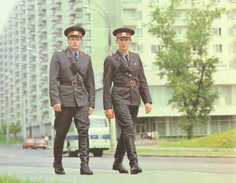 История, как сотрудника милиции Тамбовского УВД, пришельцы перенесли из 1984 в 2014