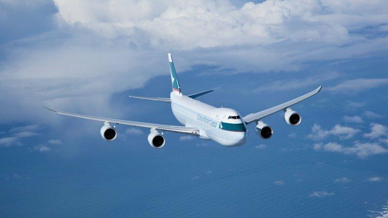 Как самолеты летают над океанами?