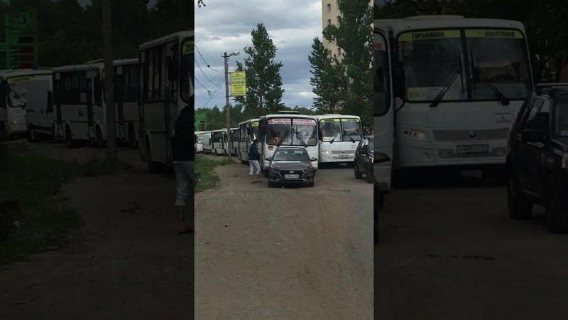 В Лен. области поселке Мурино на Заречной улице пострадал борец с обочечниками