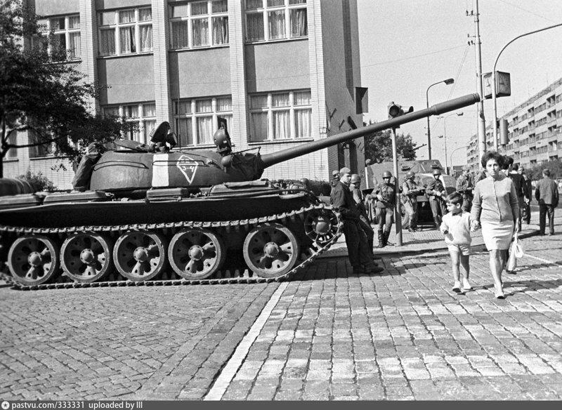 Кстати, о танках в Праге