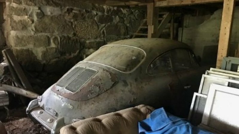 Porsche, забытый на 40 лет в гараже, выставили на продажу