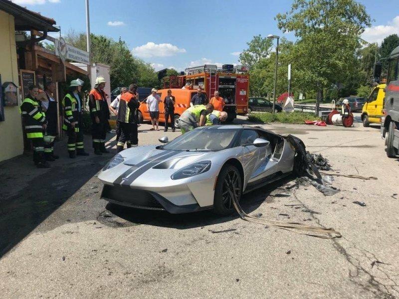 В Германии сгорел абсолютно новый суперкар Ford GT