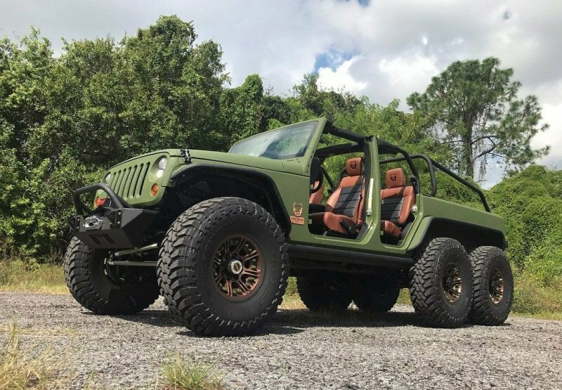 Эффектный шестиколесный Jeep Wrangler от компании Bruiser Conversions