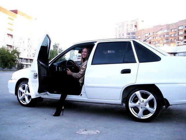 Правительство Узбекистана разрешило тонировку автомобилей с 1 августа