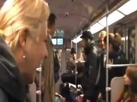 Заразительный смех в берлинском метро