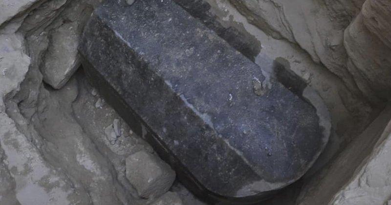 Жидкость из черного саркофага предложили пустить на газировку