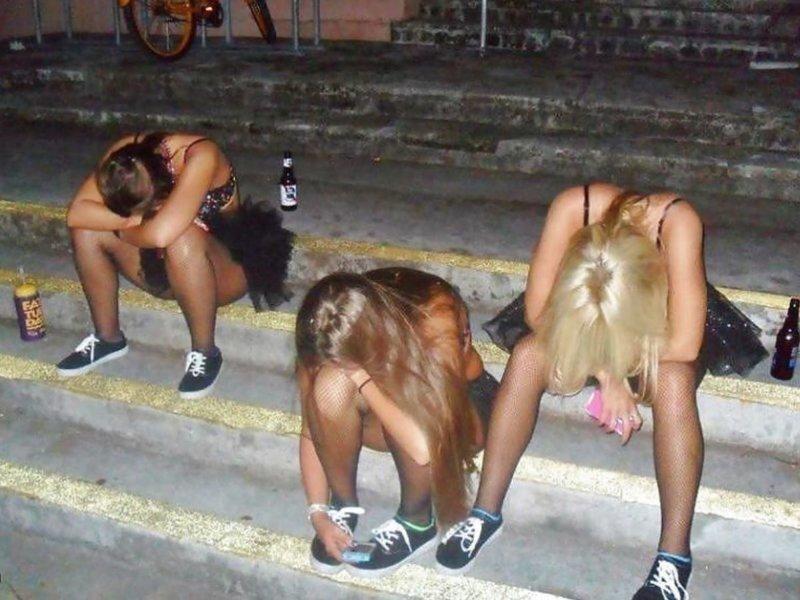 Буйных пьяных девушек успокоили яйцами в Уфе