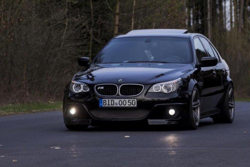 Когда у тебя есть красивый BMW M5, но ты мечтаешь о более свежем кузове