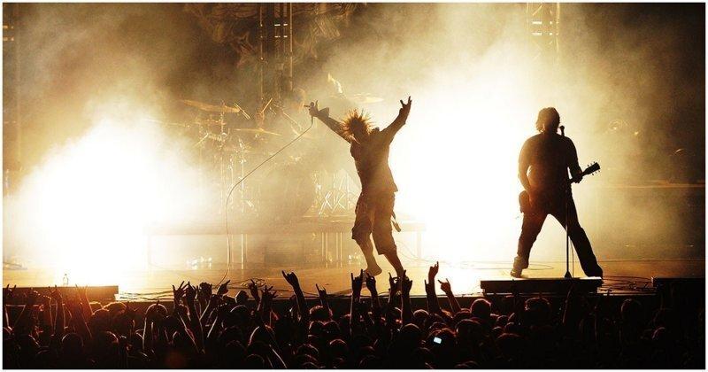Голограмма Горшка на концерте группы «Король и Шут»