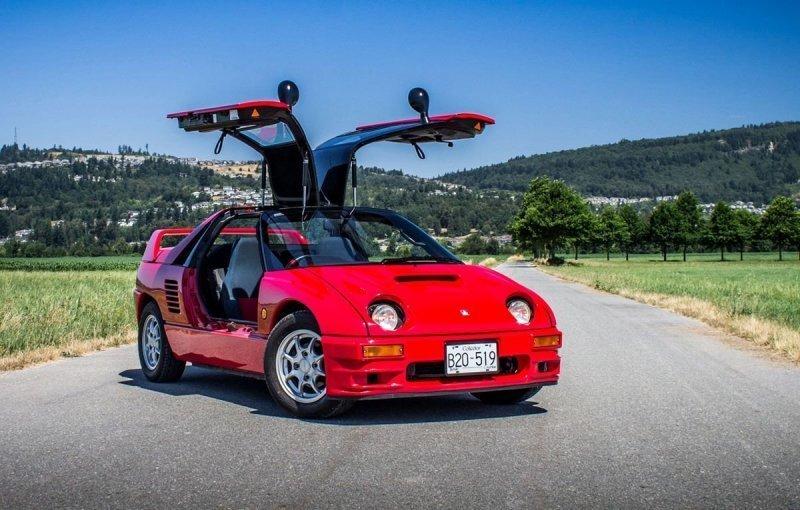 """Mazda Autozam AZ-1: маленький двухместный спортивный автомобиль с """"крыльями чайки"""""""