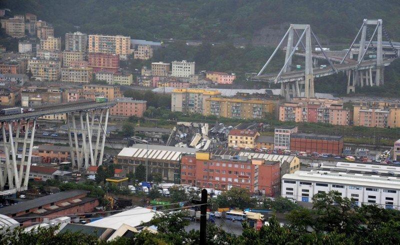 Автомобильный мост рухнул в итальянской Генуе
