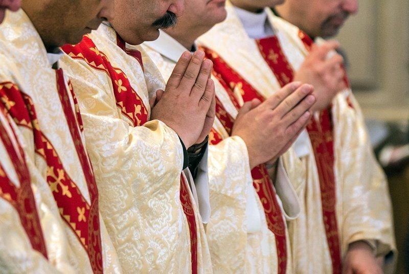 Более 300 священников штата Пенсильвания обвинили в педофилии
