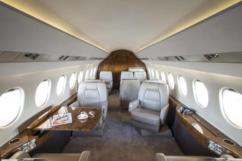 Любой каприз за ваши деньги: частная авиакомпания рассказала о самых безумных просьбах клиентов