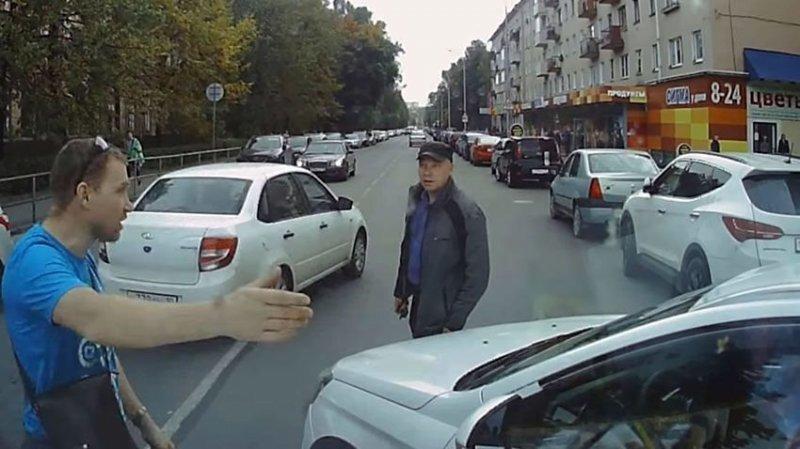 Водитель Весты попал в ДТП, а вину не признает