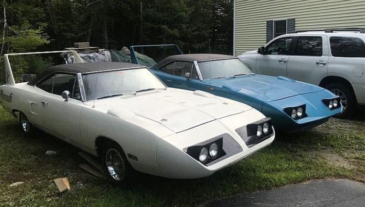 Два Plymouth RoadRunner простояли в гараже 40 лет и теперь их продают