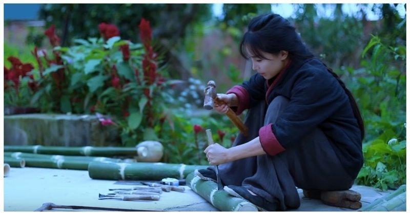Молчаливая китайская хозяюшка делает мебель из бамбука