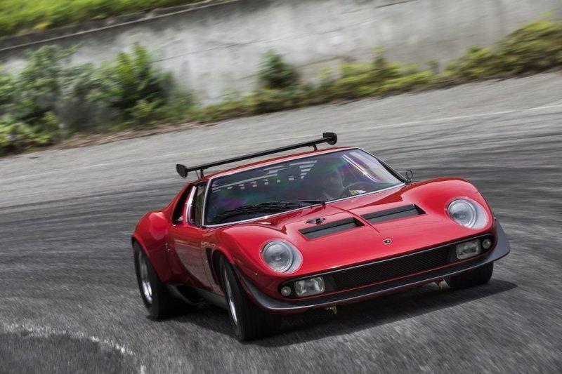 Специалисты Lamborghini отреставрировали уникальный спорткар Miura SVR
