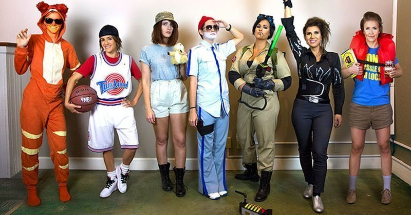 Каждый год подруги наряжаются на Хэллоуин как персонажи какого-нибудь известного актера