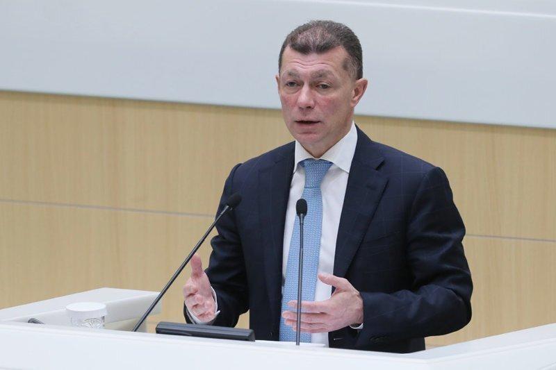Новости из параллельной реальности: Максим Топилин заявил о беспрецедентном росте зарплат в России