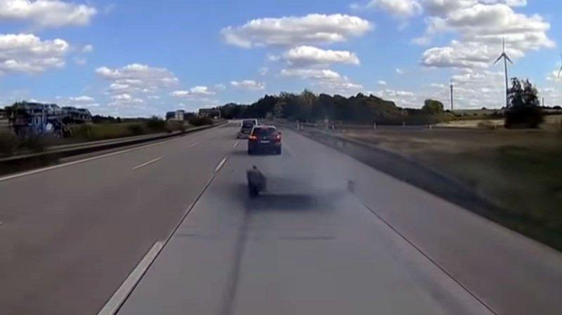 Впечатляющая авария на автобане в Германии