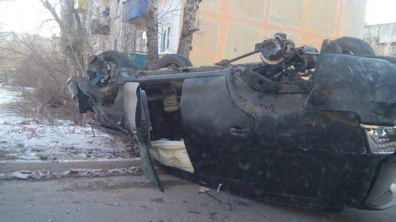 Авария дня.  Land Cruiser перевернулся в центре Читы