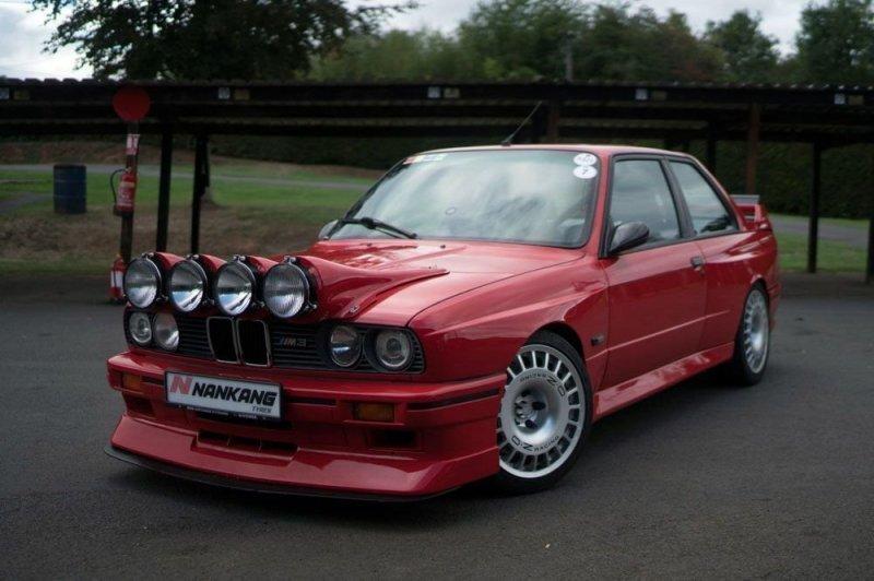 Эволюция омологации: идеальный BMW E30 M3 из Англии