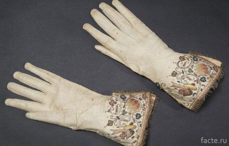 История возникновения и применения перчаток