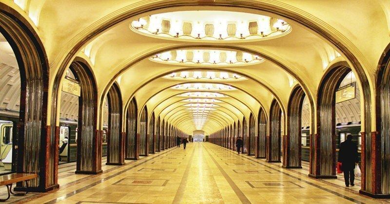 Москвичи стали чаще забывать в метро странные вещи