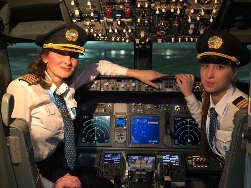 «Победа» выполнила полёт полностью женским экипажем, но в сети этого не оценили