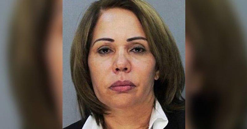 55-летнюю женщину посадили в одну камеру с десятками мужчин