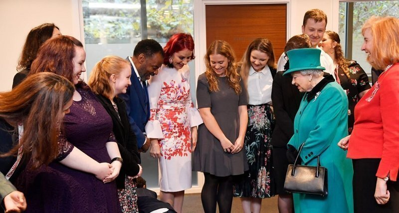 Маленький конфуз: ребенок не справился с волнением, когда увидел Елизавету II