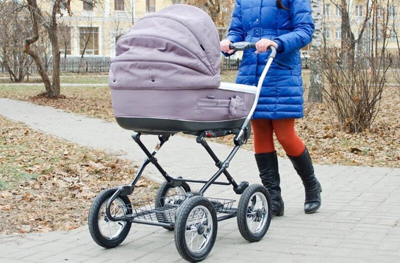 В Твери школьники-отличники бросили петарду в коляску с младенцем