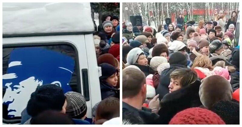 В погоне за халявой: жители Курска устроили давку из-за конфет и бесплатных календарей