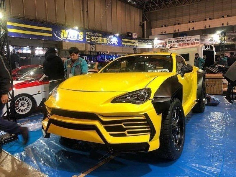Японские студенты переделали купе Toyota GT86 в пикап с внешностью Lamborghini