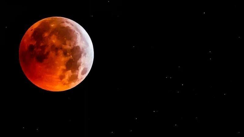 Как выглядела Кровавая Волчья Суперлуна 20-21 января 2019 года