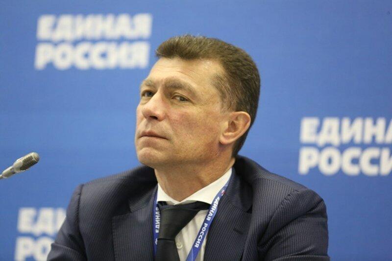 """Топилин: """"Сейчас в стране высокие зарплаты, у населения 42 000 руб., но россияне хотят еще больше"""""""