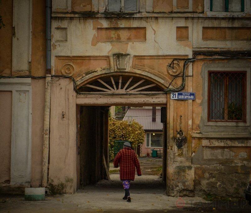 Одесская Молдаванка: трущобная романтика, автокладбища и руины архитектурных экспериментов