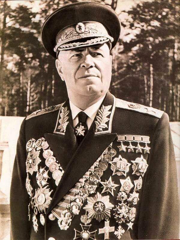 """""""Немец врет"""": из-за чего Жуков считал, что смерть Гитлера сфальсифицирована"""