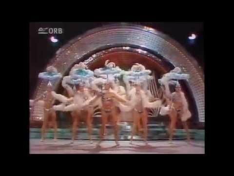 Один раз в год, на целомудренном Советском телевидении, показывали часовую пе...