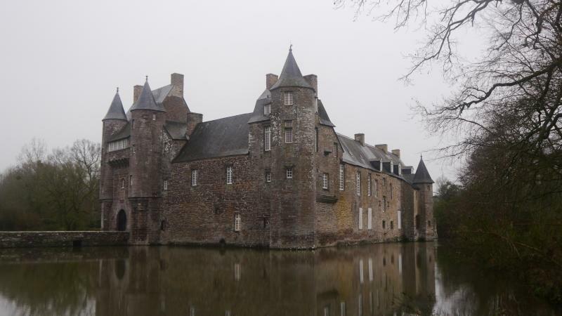 Замок с призраками: история и легенды