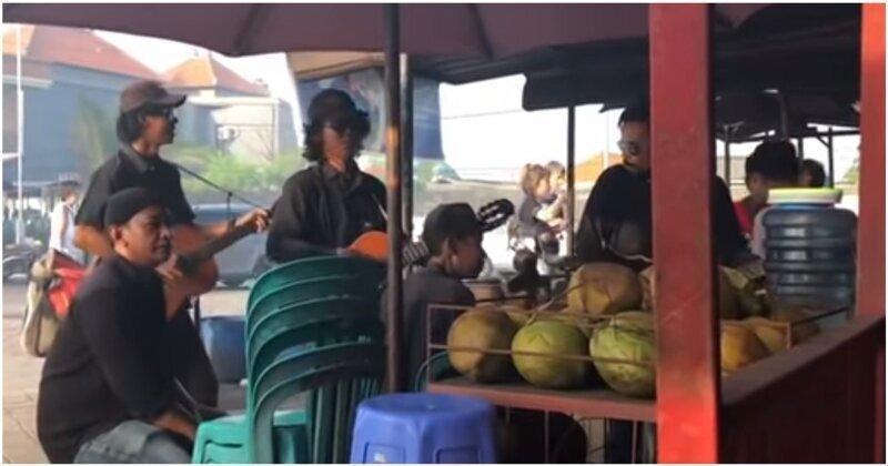 Неожиданная песня от уличных музыкантов на Бали