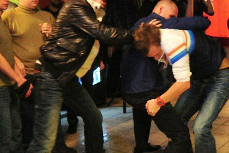 Более 50 человек устроили массовую драку в Москве на День Влюблённых