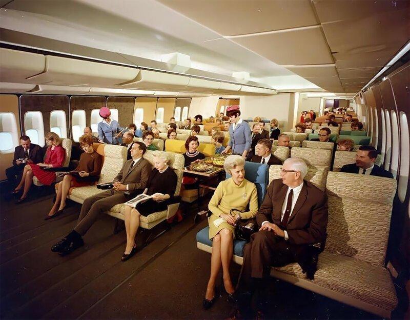 Широкие кресла и есть куда вытянуть ноги: архивные снимки авиакомпании Pan American