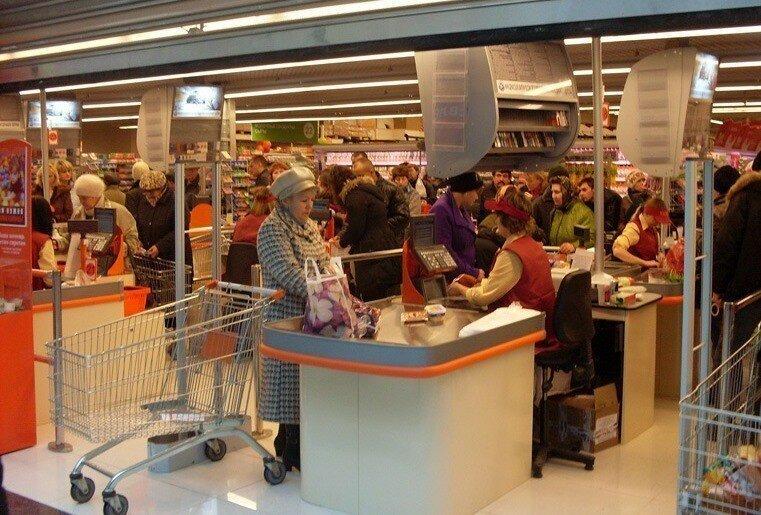 Член Совета Федерации предложил закрывать на выходные супермаркеты